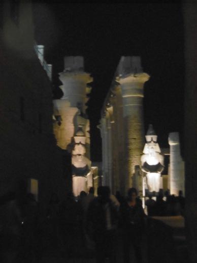 Louxor by night