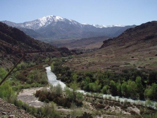 Route du Tizi NTest, oued et neiges de l'Atlas