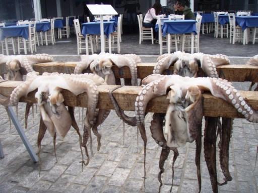 Naoussa, tavernes sur le port