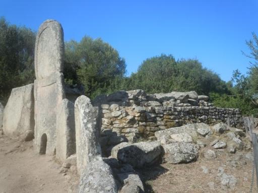 Tombe de Géant vue de profil