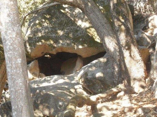 caverne habitée dès l'époque nuragique