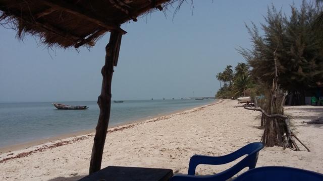 la plage de l'îleCarabane en face de Karabeahc