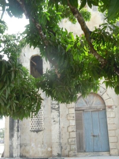l'église coloniale abandonnée