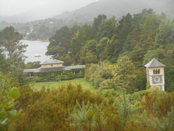 L'île jardin son campanile et son pavillon sur le jardin italien