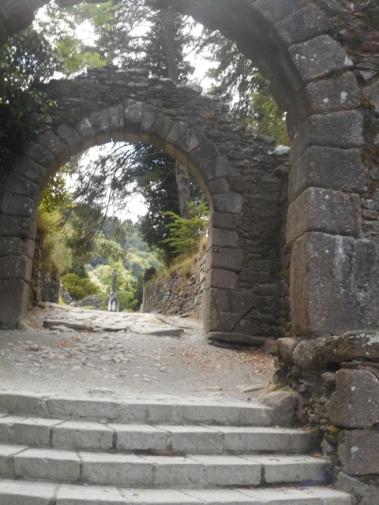 la double arche où passaient les pélerins