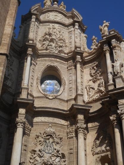 cathédrale : portail baroque