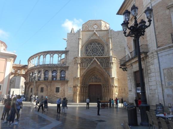 Cathédrale : porche gothique