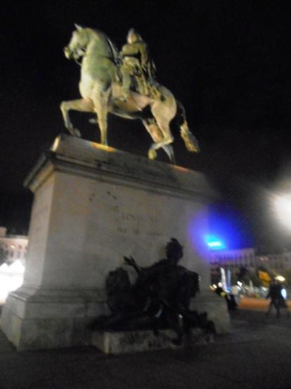 Louis XIV place Belcourt